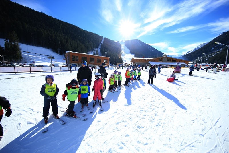 Ski school 4 hours daily+ ski evening
